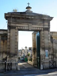 Entrée cimetière - Photo P. Mercier/Ville d'Arles
